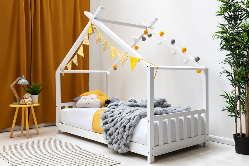 KIDS WHITE WOODEN HOUSE CANOPY BED SINGLE